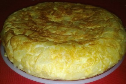 Tortilla de patatas con cebolla súper grande