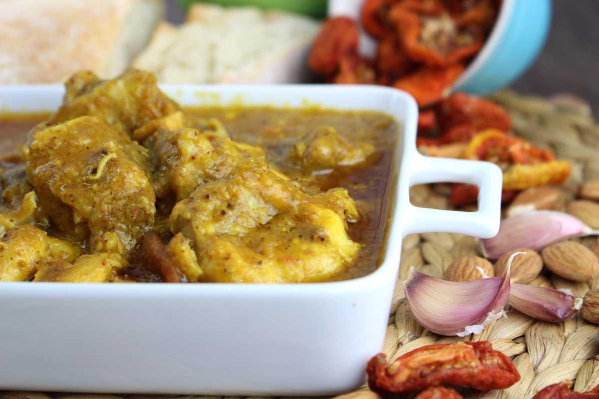 Pollo en salsa de ajillo