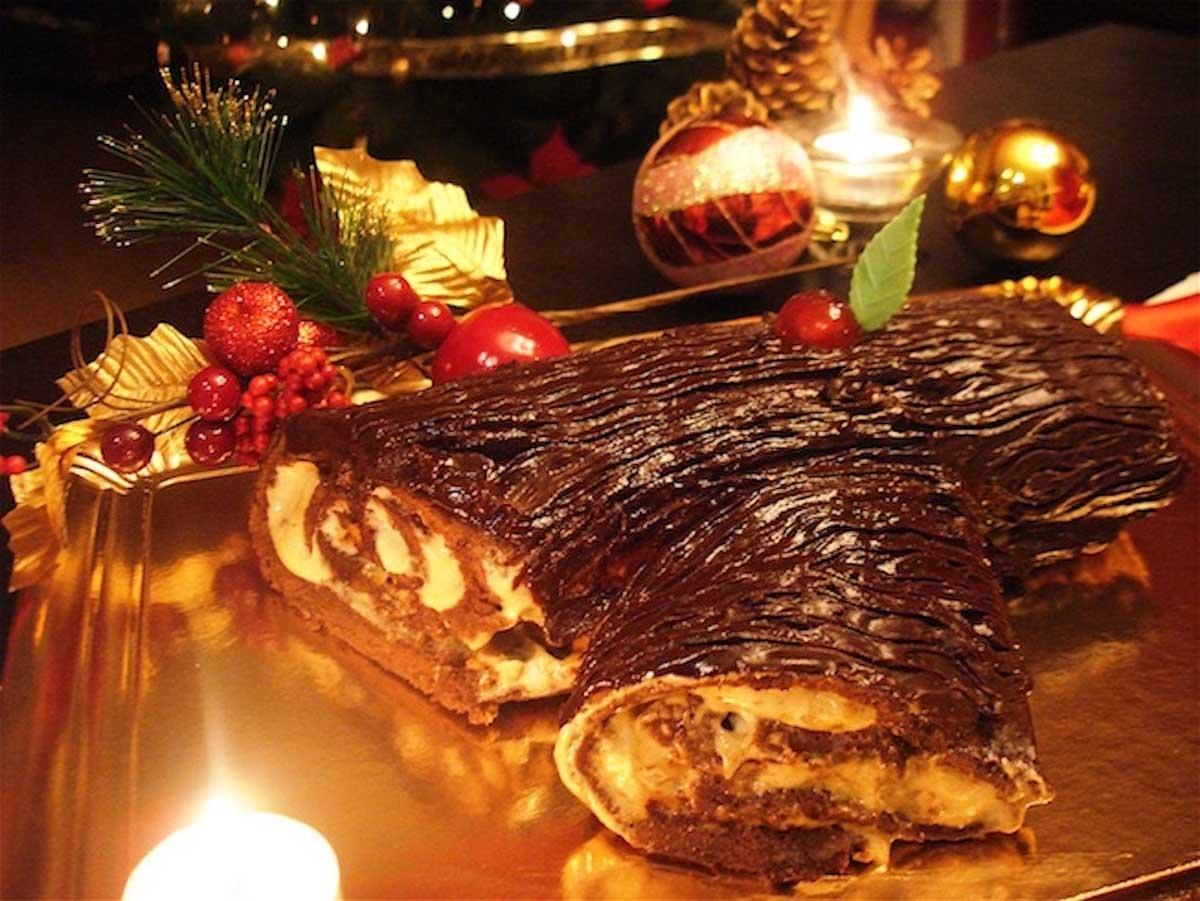Tronco de Navidad sin lactosa de chocolate y turrón