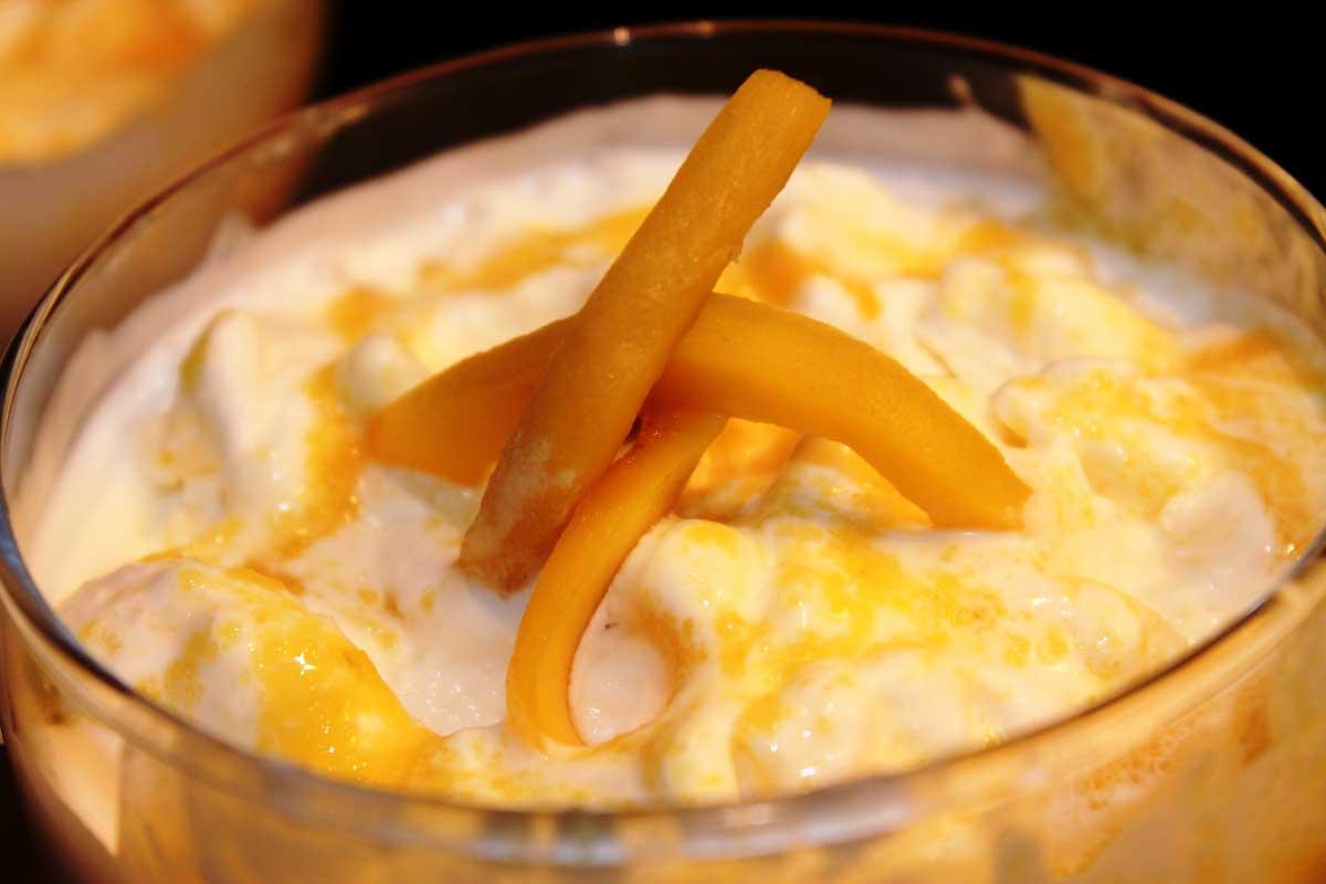 Helado de yogur con mango sin lactosa