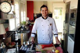 Chef Orielo en la cocina