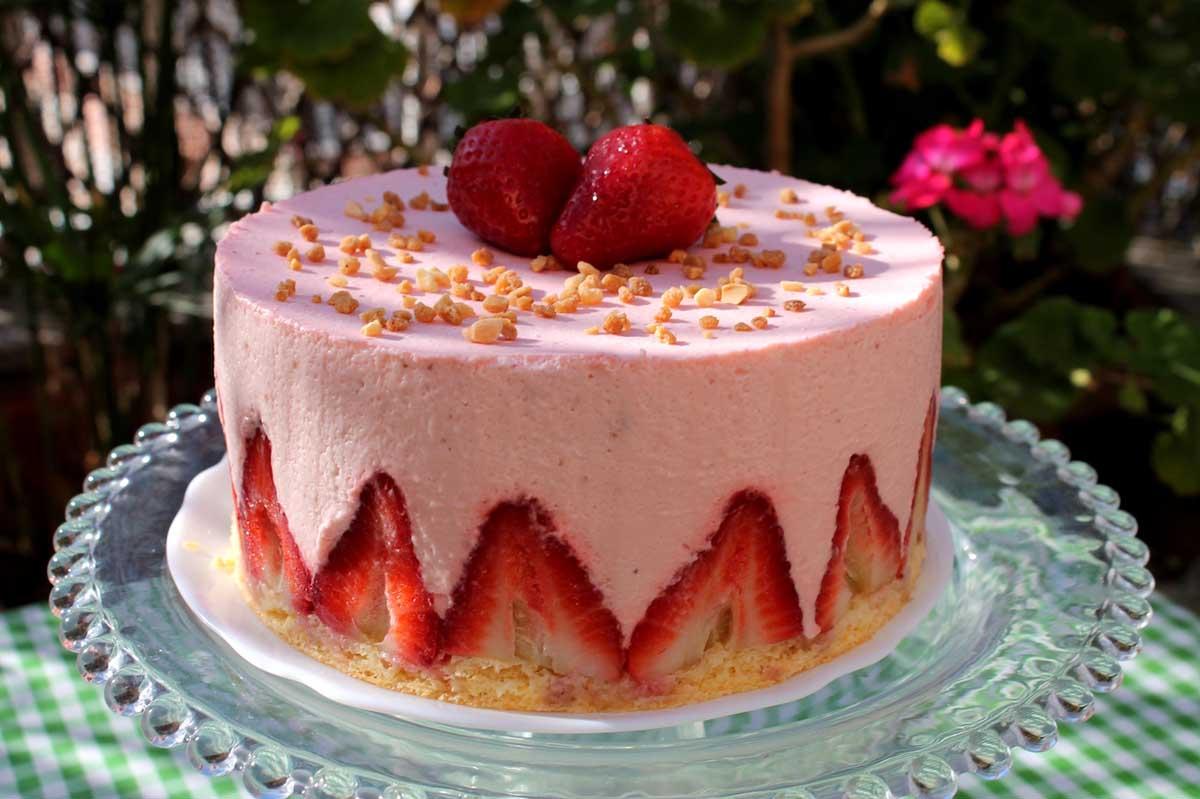 Tarta mousse de fresas sin lactosa tarta fraisier - Mousse de fresa ...