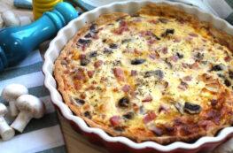 Quiche Lorraine de jamón york, bacon, champiñones y queso sin lactosa