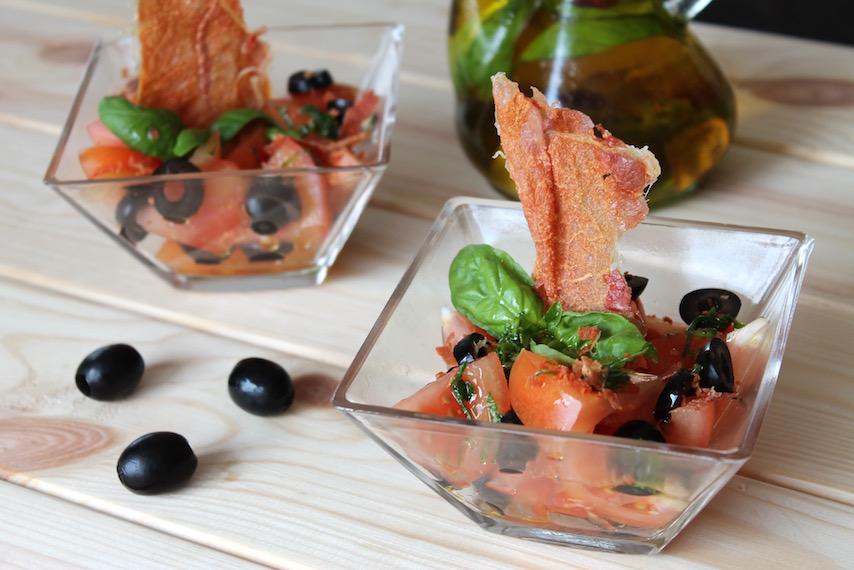 Ensalada ibérica con crujiente de jamón