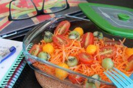 Ensalada de zanahorias, kiwi y mango