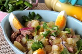 Ensalada de patata, huevo y atún