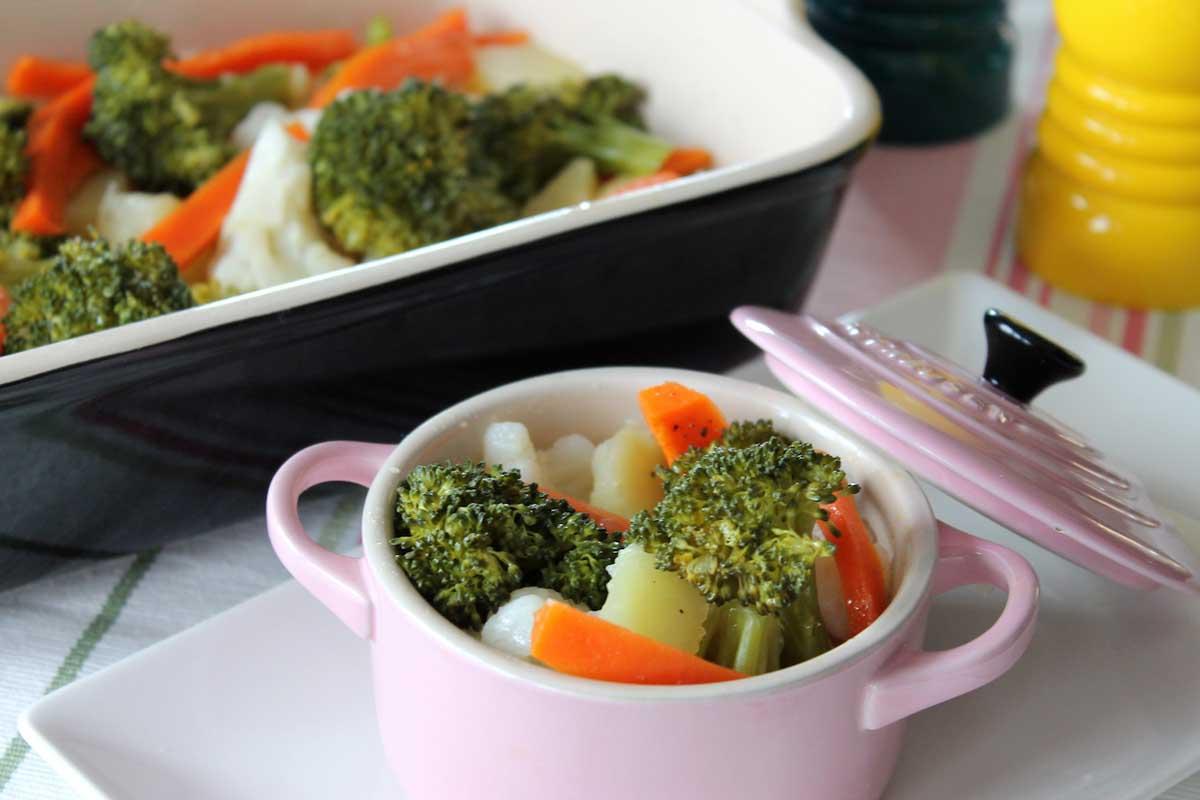 verduras al vapor coliflor zanahoria br coli y patatas