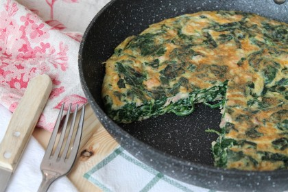Tortilla de espinacas, atún y queso sin lactosa