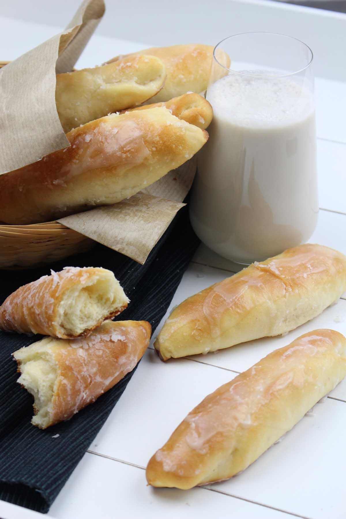 Fartons con glaseado de horchata sin lactosa