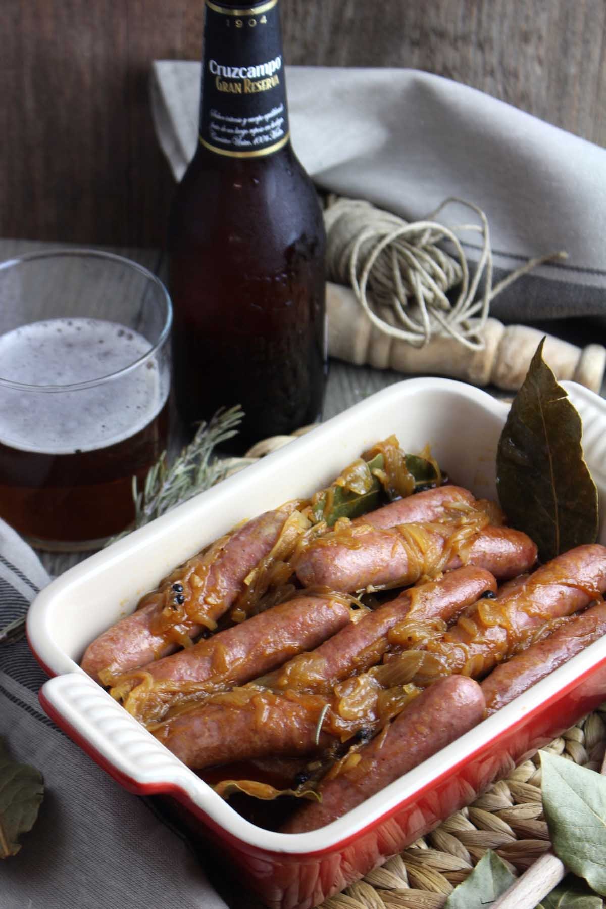 Salchichas a la cerveza con pimentón