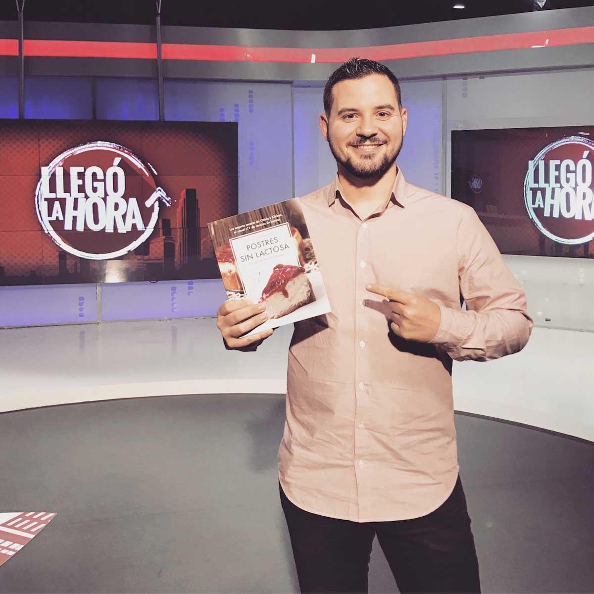 Libro Postres sin lactosa. Juanjo Orielo's Kitchen. Entrevista en 101TV en Llegó la hora