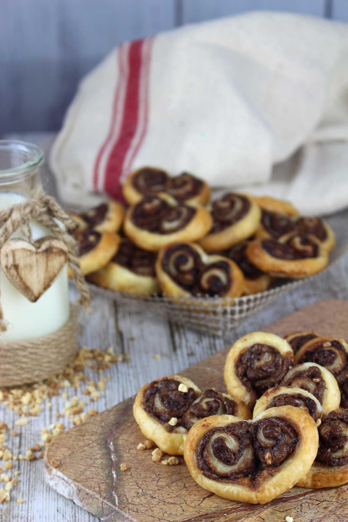 Palmeritas de hojaldre rellenas de nutella sin lactosa