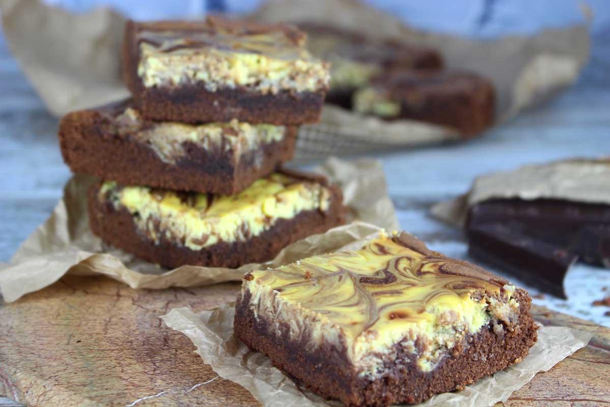 Brownie cheesecake marmolado con tarta de queso sin lactosa