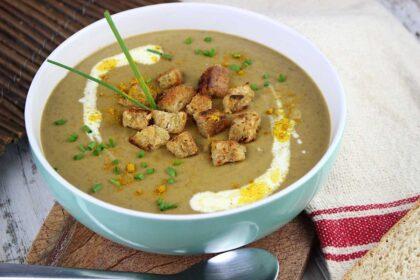 Crema de lentejas con curry vegana