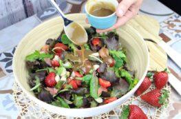 Ensalada de fresas y salmón ahumado