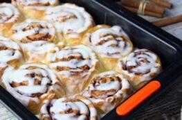 Cinnamon rolls o rollos de canela sin lactosa