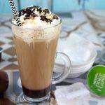 Frappuccino sin lactosa. Café frappé helado moka