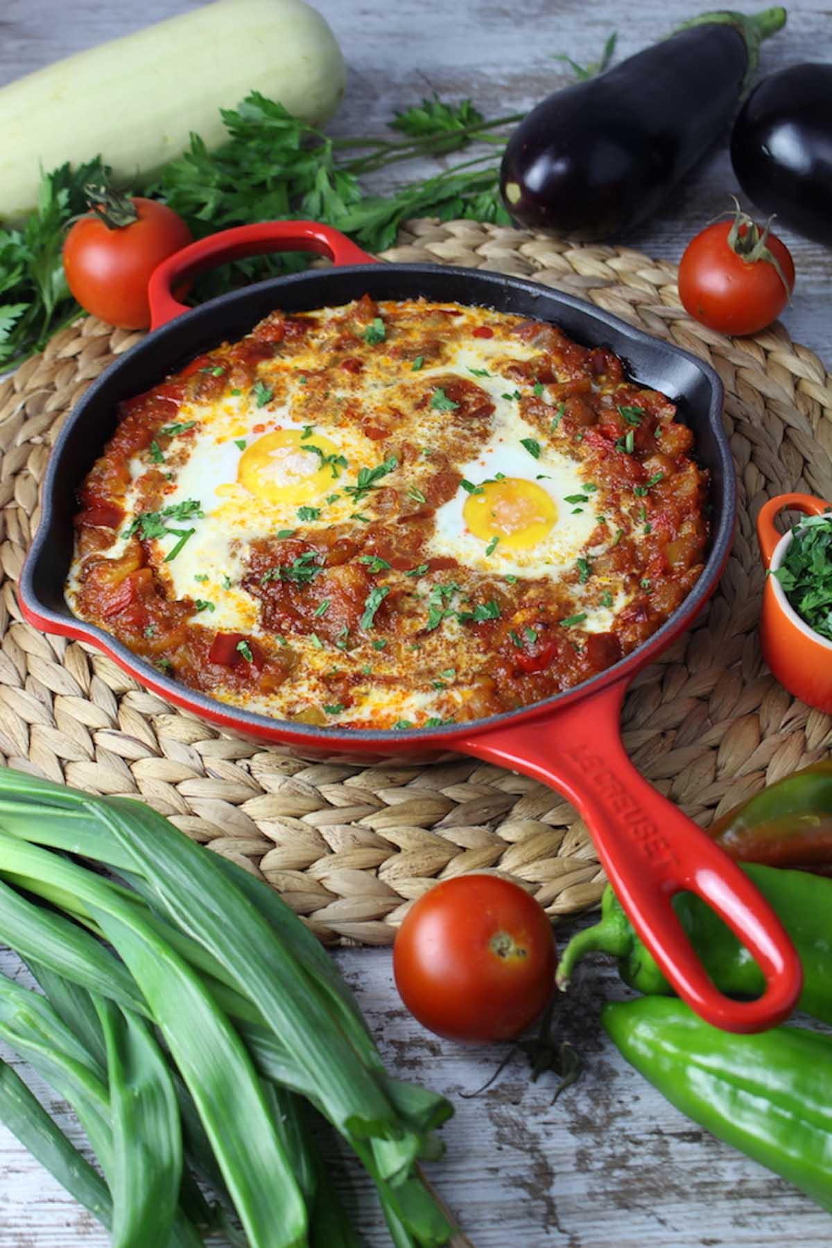 Pisto de verduras con huevo