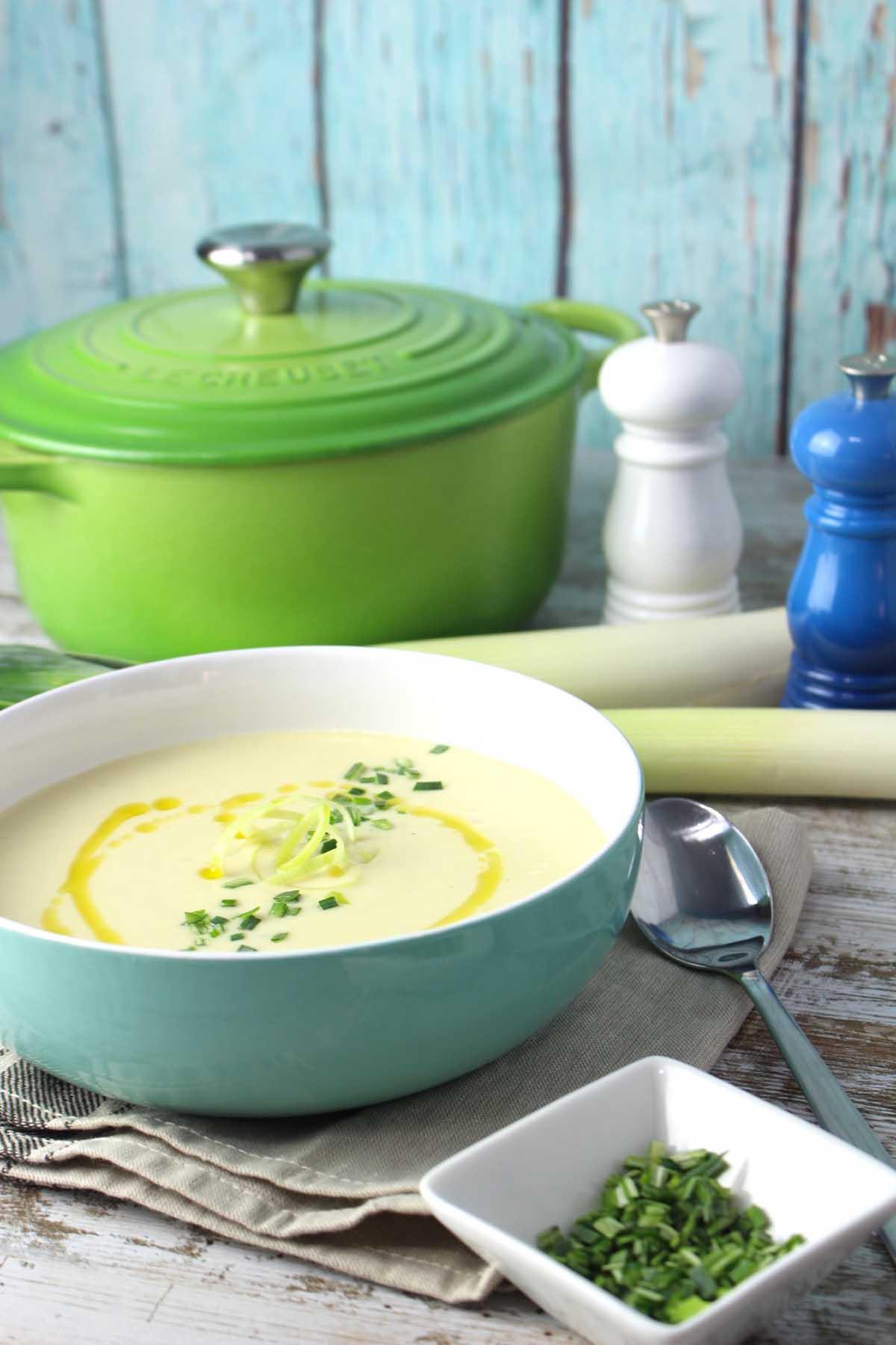 Vichyssoise sin nata y sin lactosa. Crema de puerros fría