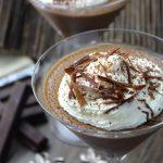 Mousse chocolate y nata sin lactosa en copas