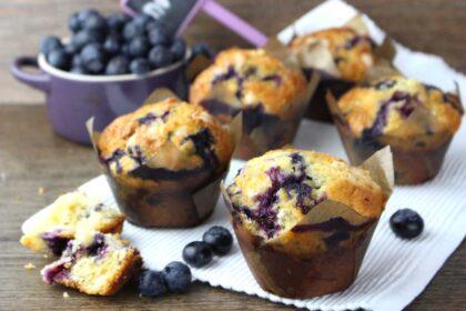 Muffins o magdalenas de arándanos sin lactosa