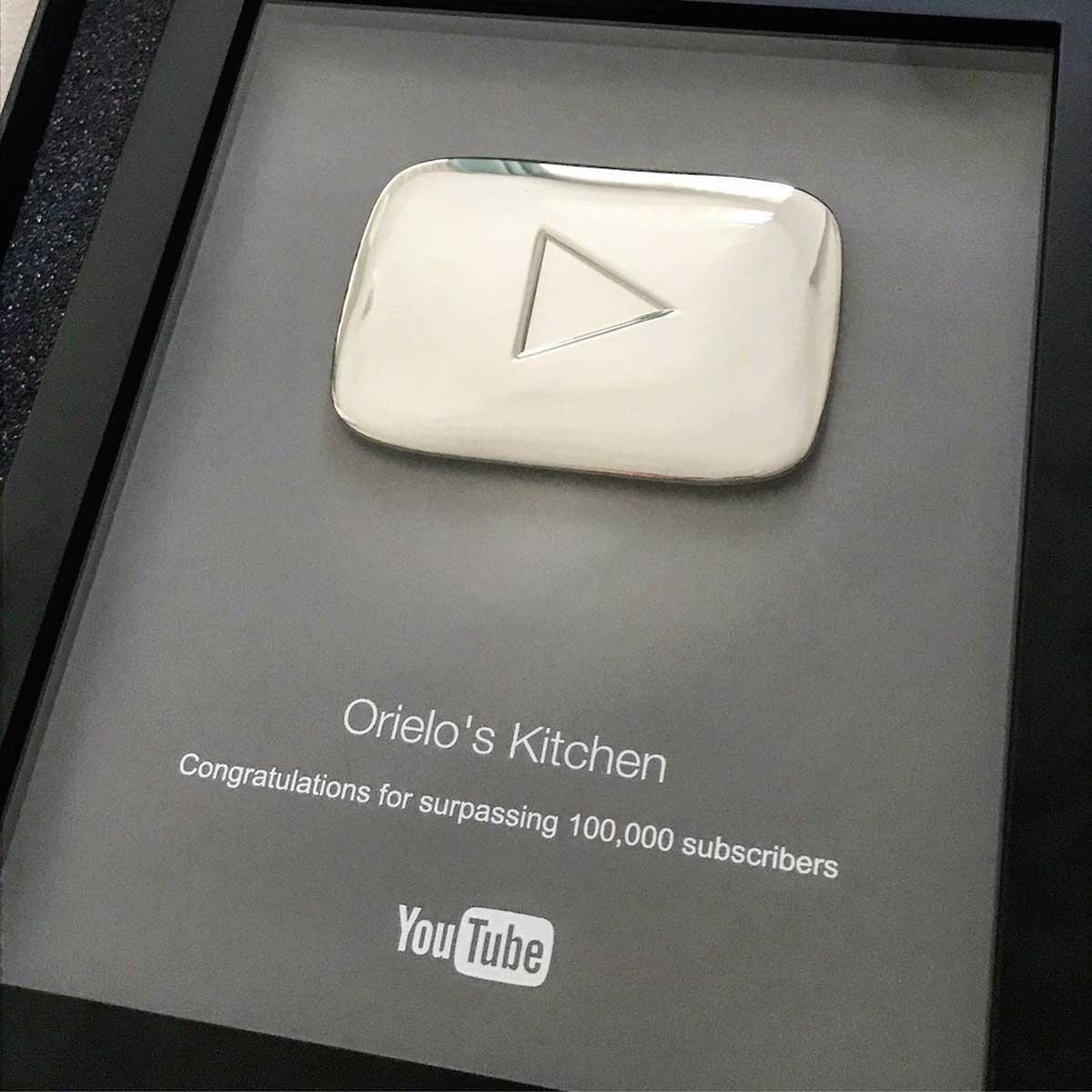 Botón de Plata YouTube 100.000 suscriptores