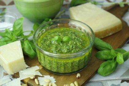 Pesto casero sin lactosa. Cómo hacer salsa pesto de albahaca