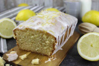 Bizcocho de limón glaseado sin lactosa