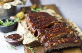 Costillas de cerdo en salsa barbacoa muy tiernas
